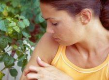 Укус мошки — методы снятия опухоли